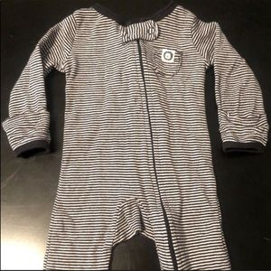 ✨3/$15 Carter's Lion Footless Striped Jammies